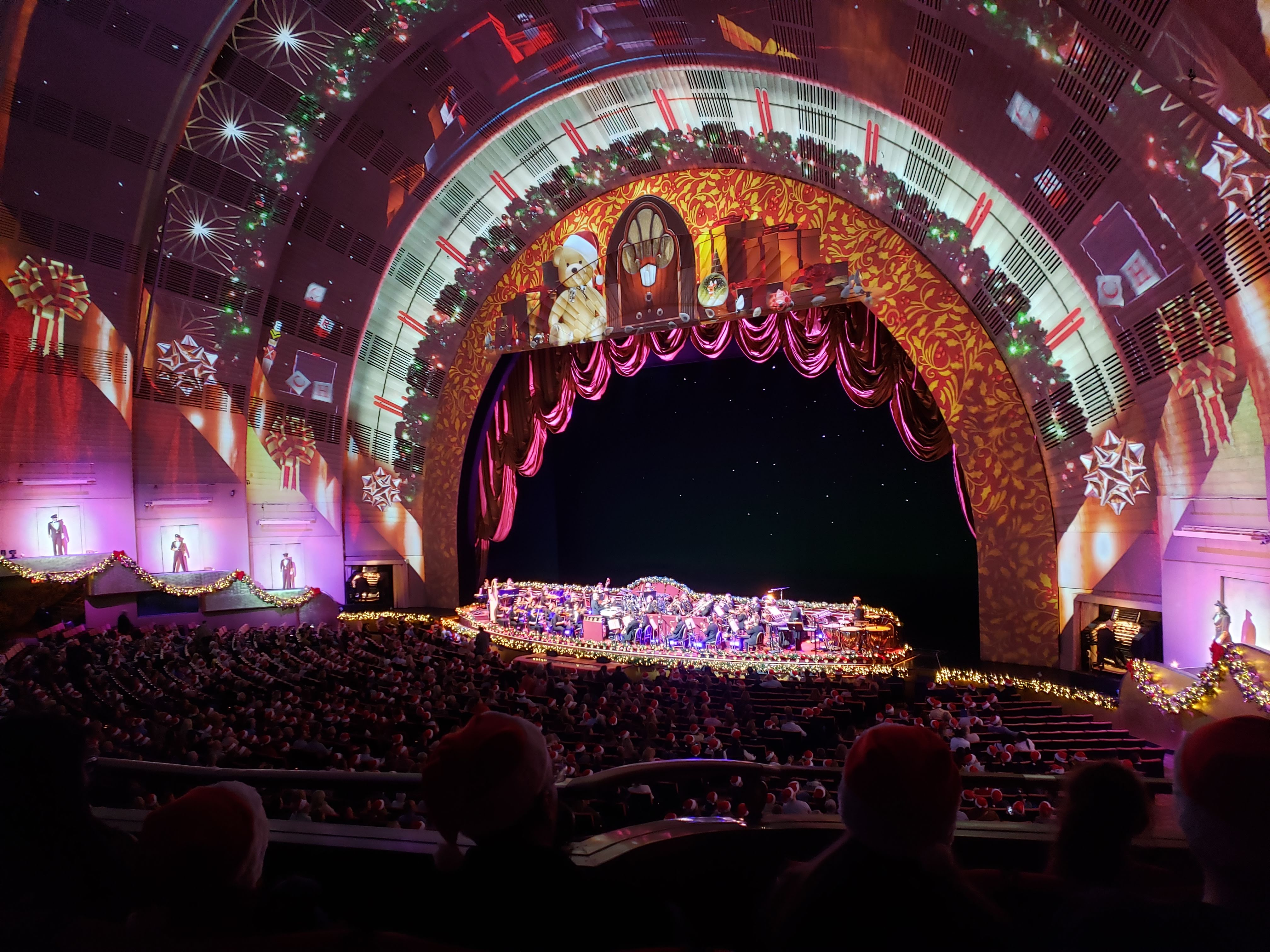 Review Radio City Christmas Spectacular 2020 The Rockettes Christmas Spectacular Review: Is it worth it this year?